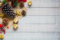 Συλλογή Χριστουγέννων, πέρα από το ξύλινο υπόβαθρο Στοκ Εικόνα