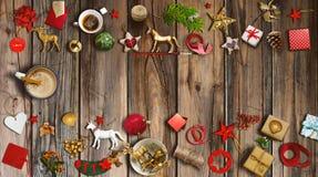 Συλλογή Χριστουγέννων, δώρα και διακοσμητικές διακοσμήσεις φωτογραφία Στοκ Εικόνες