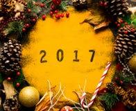 Συλλογή Χριστουγέννων, δώρα και διακοσμητικές διακοσμήσεις, Στοκ φωτογραφίες με δικαίωμα ελεύθερης χρήσης