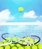 Σφαίρα αντισφαίρισης στις ρακέτες μπλε ουρανού και αντισφαίρισης με τις σφαίρες στο υπόβαθρο μπλε ουρανού απεικόνιση αποθεμάτων