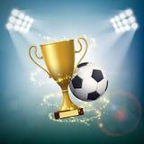 Σφαίρα ποδοσφαίρου με το χρυσό φλυτζάνι του πρωταθλήματος Στοκ Εικόνες