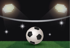 Σφαίρα ποδοσφαίρου στο δικαστήριο Στοκ εικόνες με δικαίωμα ελεύθερης χρήσης