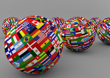 Σφαίρα σημαιών με τις διαφορετικές σημαίες χωρών Στοκ φωτογραφία με δικαίωμα ελεύθερης χρήσης