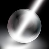 Σφαίρα στο μαύρο υπόβαθρο στις ακτίνες του φωτός Στοκ Εικόνες