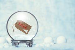Σφαίρα χιονιού χειμερινής πώλησης Στοκ Φωτογραφίες