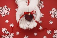 Σφαίρα Χριστουγέννων στοκ εικόνα με δικαίωμα ελεύθερης χρήσης