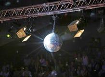 Σφαίρα Disco στη συναυλία στοκ φωτογραφία με δικαίωμα ελεύθερης χρήσης