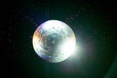 Σφαίρα Disco στο ανώτατο όριο στοκ φωτογραφία με δικαίωμα ελεύθερης χρήσης