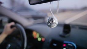 Σφαίρα Disco στο αυτοκίνητο απόθεμα βίντεο