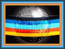 Σφαίρα disco Silverd που τυλίγεται στα πολύχρωμα λωρίδες στο μαύρο fra Στοκ Φωτογραφία