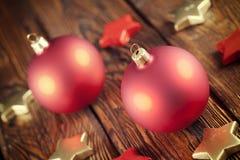 Σφαίρες και αστέρια Χριστουγέννων Στοκ εικόνα με δικαίωμα ελεύθερης χρήσης