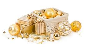 Σφαίρες και δώρα Χριστουγέννων στοκ εικόνα
