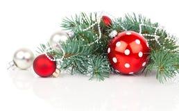 Σφαίρες Χριστουγέννων και κλάδοι έλατου Στοκ Εικόνα
