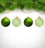 Σφαίρες Χριστουγέννων στους κλάδους πεύκων με τις αλυσίδες στο grayscale ελεύθερη απεικόνιση δικαιώματος