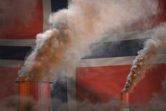 Σφαιρική έννοια θέρμανσης - βαρύς καπνός από τις καπνοδόχους εγκαταστάσεων στο υπόβαθρο σημαιών της Νορβηγίας με τη θέση για το κ διανυσματική απεικόνιση