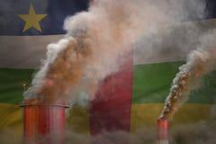 Σφαιρική έννοια θέρμανσης - βαρύς καπνός από τους σωλήνες εργοστασίων στο υπόβαθρο σημαιών Κεντροαφρικανικής Δημοκρατίας με το δι απεικόνιση αποθεμάτων