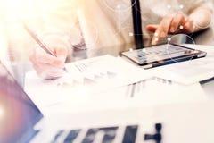 Σφαιρική εικονική διεπαφή γραφικών παραστάσεων καινοτομίας εικονιδίων συνδέσεων Νέα διαδικασία εκθέσεων συνεδρίασης του 'brainsto Στοκ Εικόνα