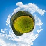 Σφαιρικό πανόραμα λίγου πλανήτη βουνών Στοκ Εικόνα