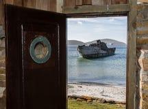 Σφραγίζοντας προστάτης ΙΙΙ σκαφών στην παραλία των νέων νησιών, Νήσοι Φώκλαντ στοκ φωτογραφίες με δικαίωμα ελεύθερης χρήσης