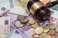 Σφυρί στο ευρο- νόμισμα Στοκ Εικόνα