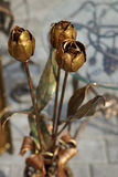 Σφυρηλατημένα διακοσμητικά τριαντάφυλλα. στοκ εικόνες