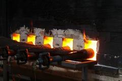 Σφυρηλατημένη πυρκαγιά για το κάψιμο φούρνων, κεραμική πορσελάνης στοκ εικόνες με δικαίωμα ελεύθερης χρήσης