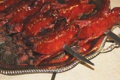 σχάρα Τρόφιμα σε ένα πιάτο στοκ φωτογραφίες