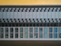 Σχέδια και επαναλήψεις στα σύγχρονα κτήρια Στοκ Εικόνες