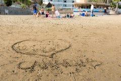 Σχέδια στην άμμο στην παραλία του Πουέρτο Ρίκο σε θλγραν θλθαναρηα, Ισπανία Μαλακό υπόβαθρο με τους ανθρώπους στην παραλία Στοκ εικόνα με δικαίωμα ελεύθερης χρήσης