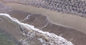 Σχέδιο άμμου και κρύα κύματα Μαύρης Θάλασσας, Pomorie, Βουλγαρία φιλμ μικρού μήκους