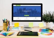 σχέδιο ιστοχώρου υπολογιστών γραφείου χαρτικών στοκ εικόνα με δικαίωμα ελεύθερης χρήσης