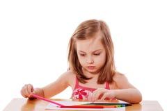Σχέδιο κοριτσιών με τα μολύβια Στοκ Φωτογραφίες