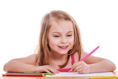 Σχέδιο κοριτσιών με τα μολύβια Στοκ φωτογραφία με δικαίωμα ελεύθερης χρήσης