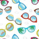 Σχέδιο με τα διαφορετικά γυαλιά ηλίου Γυαλιά με το γυαλί και την αντανάκλαση καθρεφτών ελεύθερη απεικόνιση δικαιώματος