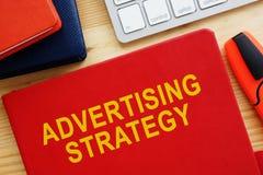 Σχέδιο στρατηγικής διαφήμισης για το γραφείο Μάρκετινγκ MEDIA στοκ φωτογραφία με δικαίωμα ελεύθερης χρήσης