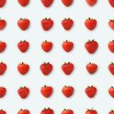 Σχέδιο φιαγμένο από φράουλες, τοπ άποψη, που απομονώνεται στο λευκό Στοκ εικόνα με δικαίωμα ελεύθερης χρήσης