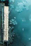 Σχέδια πάγου παγετού στο γυαλί παραθύρων Στοκ Φωτογραφίες