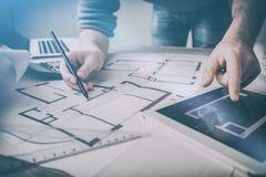 Σχέδιο εργασίας σχεδιαγραμμάτων προγράμματος σχεδίων αρχιτεκτονικής αρχιτεκτόνων Στοκ φωτογραφίες με δικαίωμα ελεύθερης χρήσης
