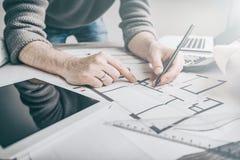 Σχέδιο εργασίας σχεδιαγραμμάτων προγράμματος σχεδίων αρχιτεκτονικής αρχιτεκτόνων Στοκ Εικόνα