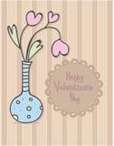 Σχέδιο ημέρας του ευτυχούς βαλεντίνου Βάζο με τα λουλούδια καρδιών πρόσθετες διακοπές μορφής καρτών Στοκ Εικόνες