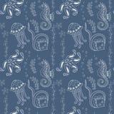 Σχέδιο με τα seahorses, μέδουσες, αστερίες και stingrays στοκ φωτογραφία