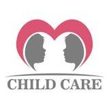 Σχέδιο λογότυπων φροντίδας των παιδιών διανυσματική απεικόνιση