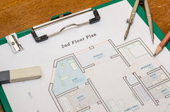 Σχέδιο ορόφων σπιτιών με την πυξίδα σχεδίων Στοκ εικόνα με δικαίωμα ελεύθερης χρήσης