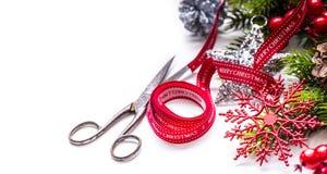 Σχέδιο συνόρων διακοσμήσεων ψαλιδιού κορδελλών Χριστουγέννων Στοκ φωτογραφία με δικαίωμα ελεύθερης χρήσης