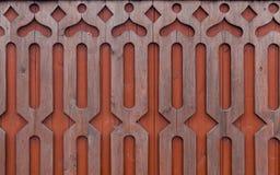Σχέδιο χαρασμένου του ξύλο ντεκόρ στο ξύλινο υπόβαθρο Στοκ Εικόνες