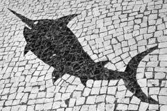 Σχέδιο ψαριών στα πορτογαλικά κεραμίδια οδών μωσαϊκών Στοκ Εικόνες