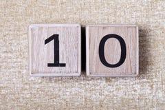 Σχήμα 10 ξύλινοι κύβοι Στοκ φωτογραφία με δικαίωμα ελεύθερης χρήσης