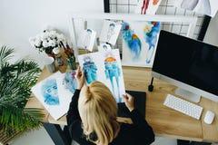 Σχεδιαστής με τα σκίτσα Στοκ Εικόνες