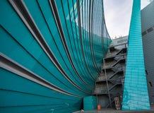 σχηματισμένα αψίδα αρχιτεκτονικά λεκιασμένα γυαλί Windows στοιχείων Στοκ εικόνες με δικαίωμα ελεύθερης χρήσης