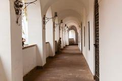Σχηματισμένες αψίδα μεταβάσεις στο παλαιό φρούριο Στοκ Φωτογραφία